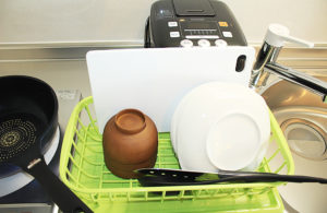 食器類も取り揃えておりますので自炊も可能です