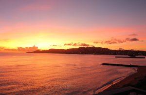ホテルから夕日を望む 沖縄名護市のホテル
