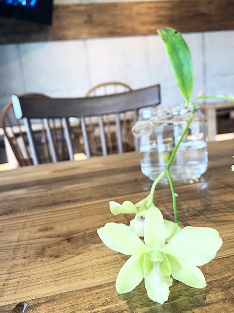 名護市ホテル カフェ