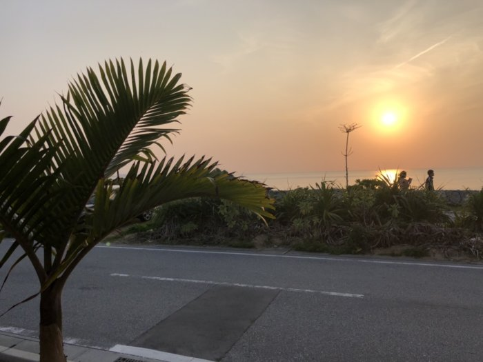 ゲートイン名護から見た夕日