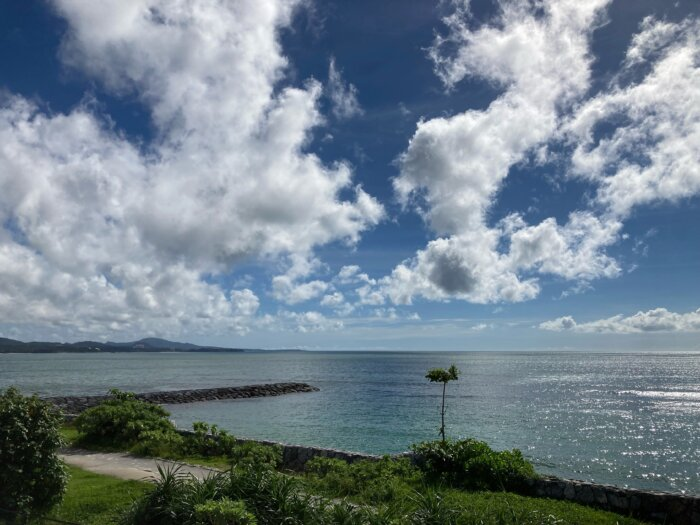 ゲートイン名護からの眺め 海 空